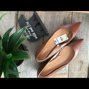 Express Pointed Flat Shoe